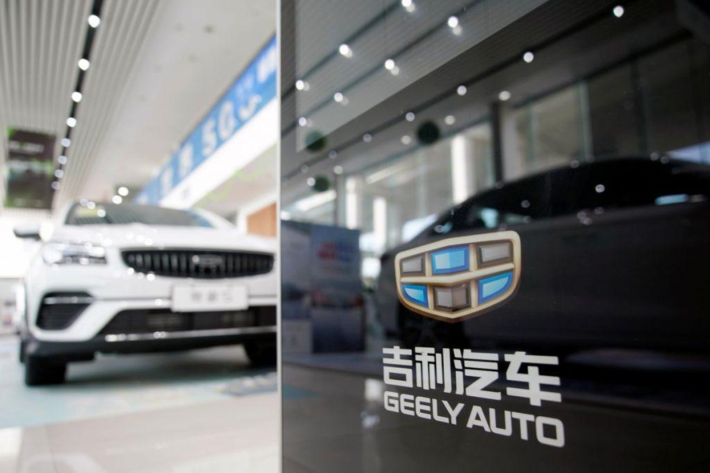 Китайская Geely построит 5000 станций по замене аккумуляторов к 2025 году