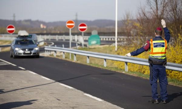 Сербия: граница открыта только для грузоперевозок