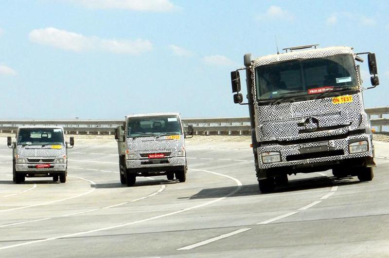 Daimler Unveils BharatBenz – Исключительный Бренд для грузовиков в Индии