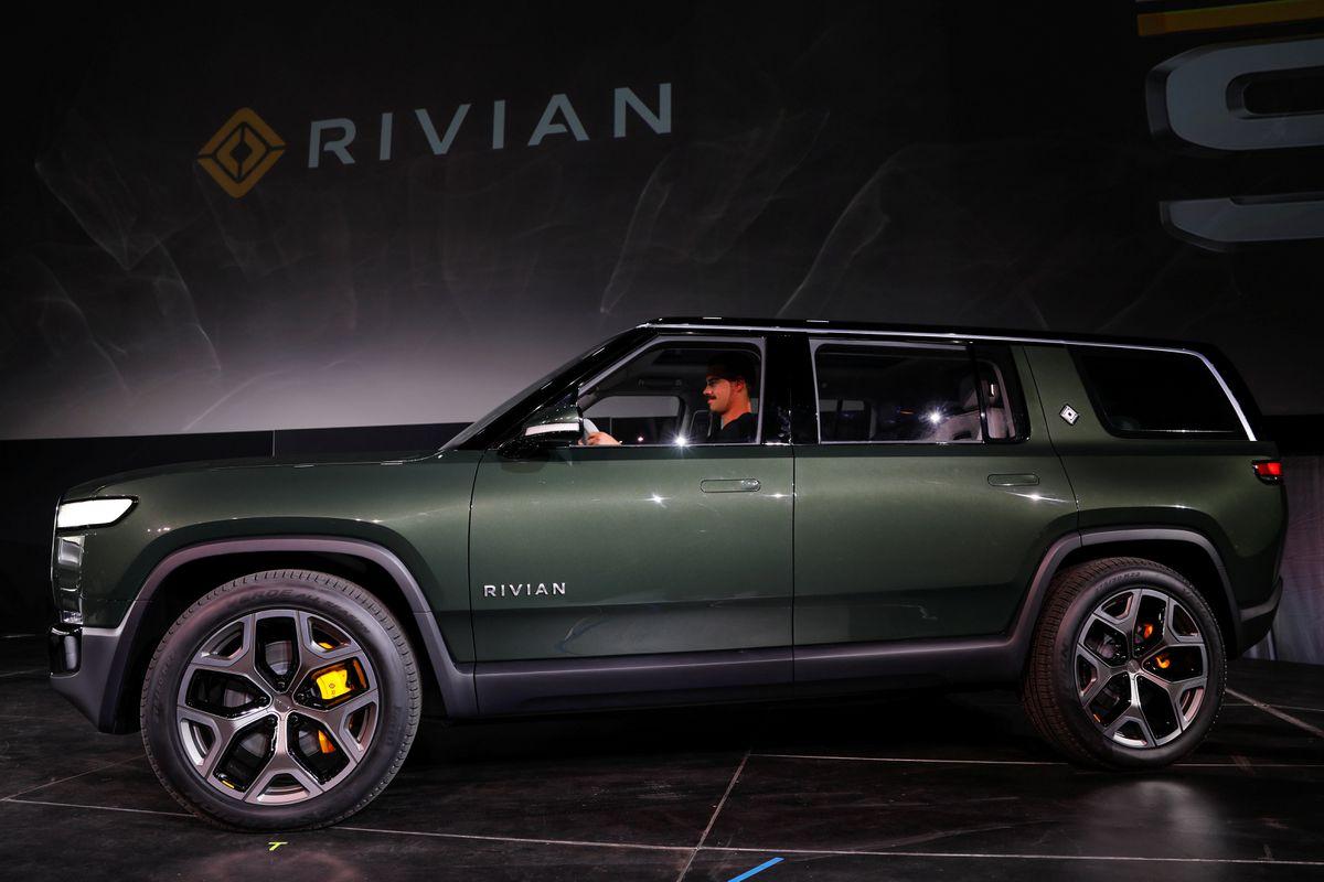 Amazon  отложит первые поставки EV Rivian до сентября
