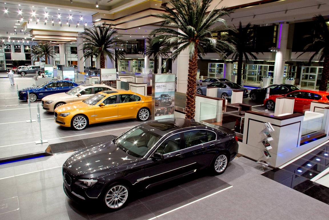 Покупки автомобиля в автосалоне