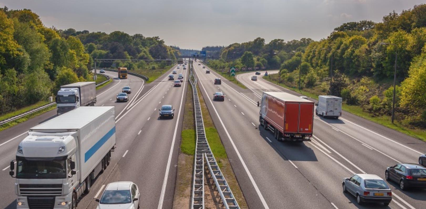 В Европе возобновльются запреты на движение грузовиков в выходные