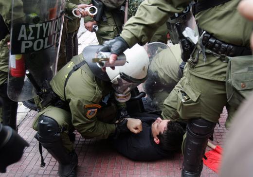 Массовые беспорядки в Греции.