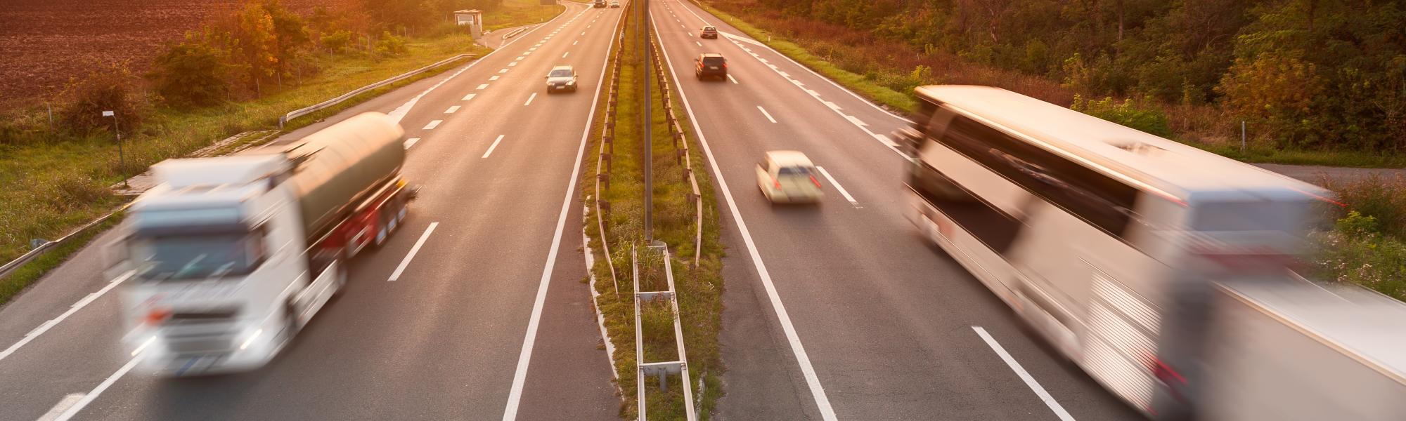 ЕС временно продлили срок действия разрешений для перевозчиков