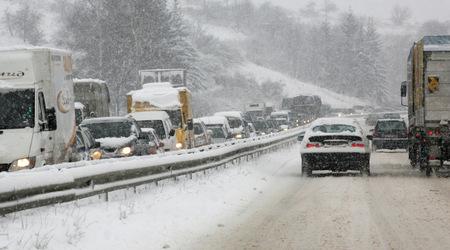 Снежное царство в Болгарии - грузоперевозки из Балканского региона