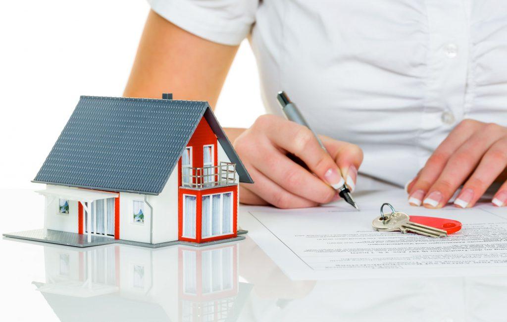 Почему дом нужно покупать в агентстве